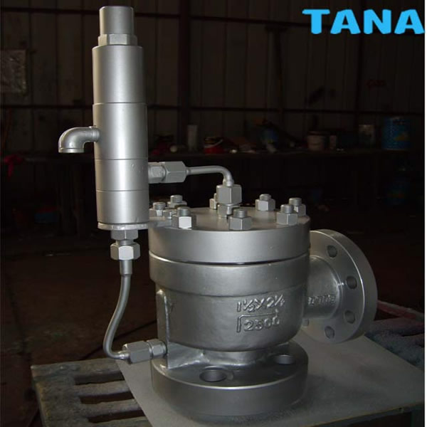 Pilot operated safety relief valve